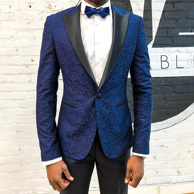 Ringing in 2019. • • • #suitablee #youdesignwetailor #art #happynewyear #suitup👔